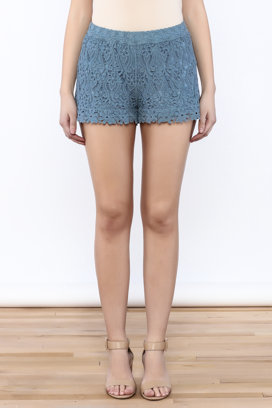 Oddi Crochet Shorts - Side Cropped Image