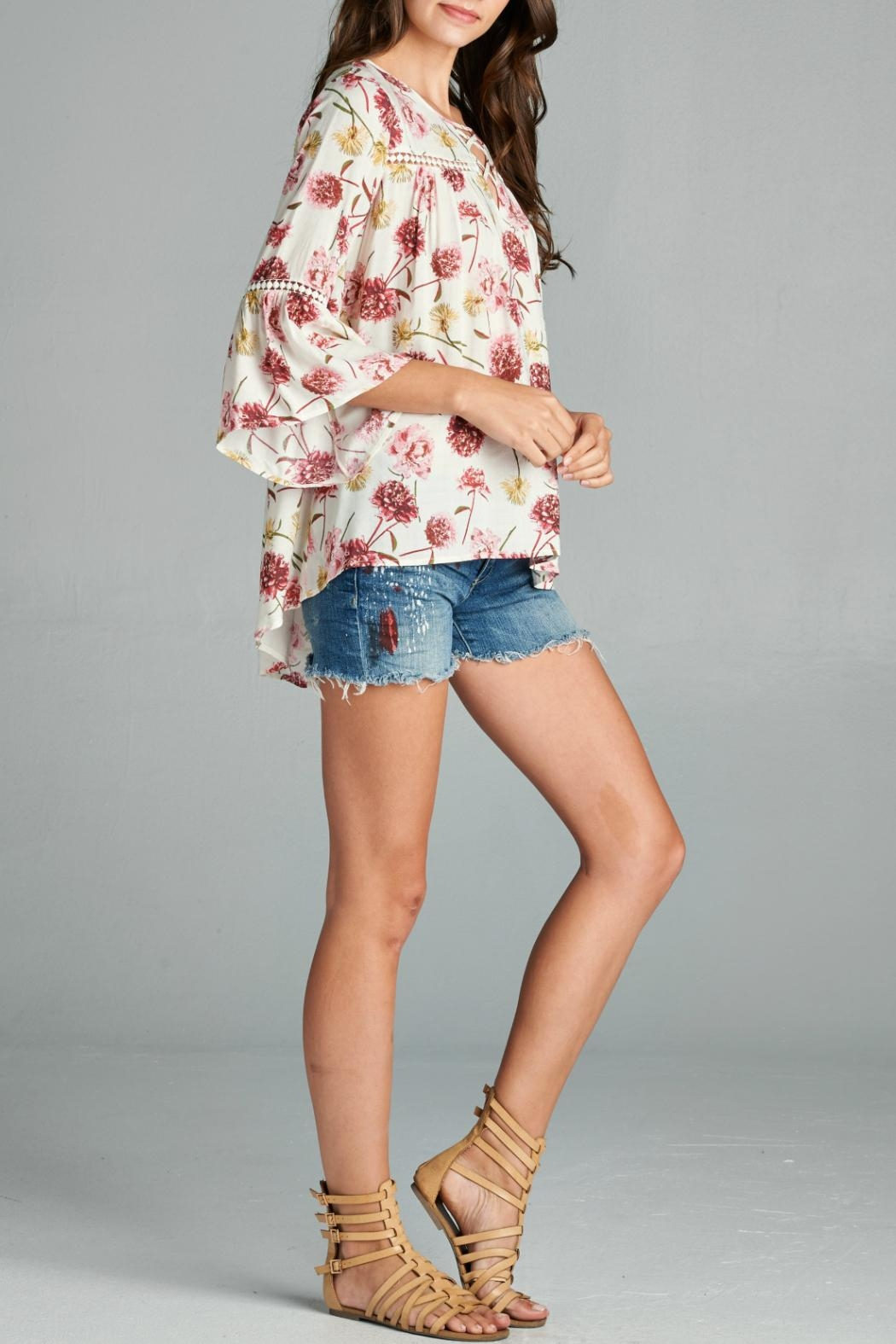 Oddi Floral Blouse - Front Full Image
