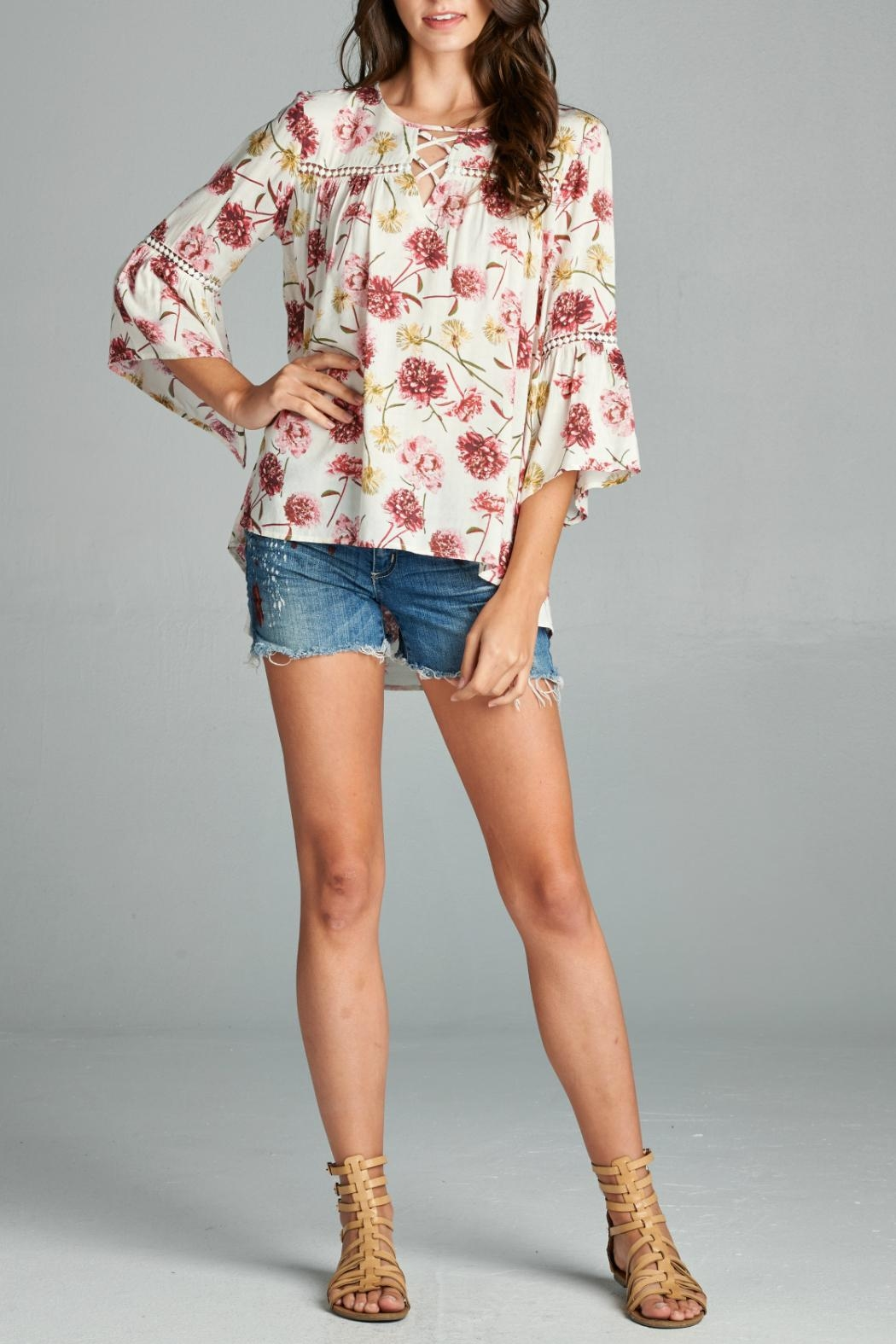 Oddi Floral Blouse - Front Cropped Image