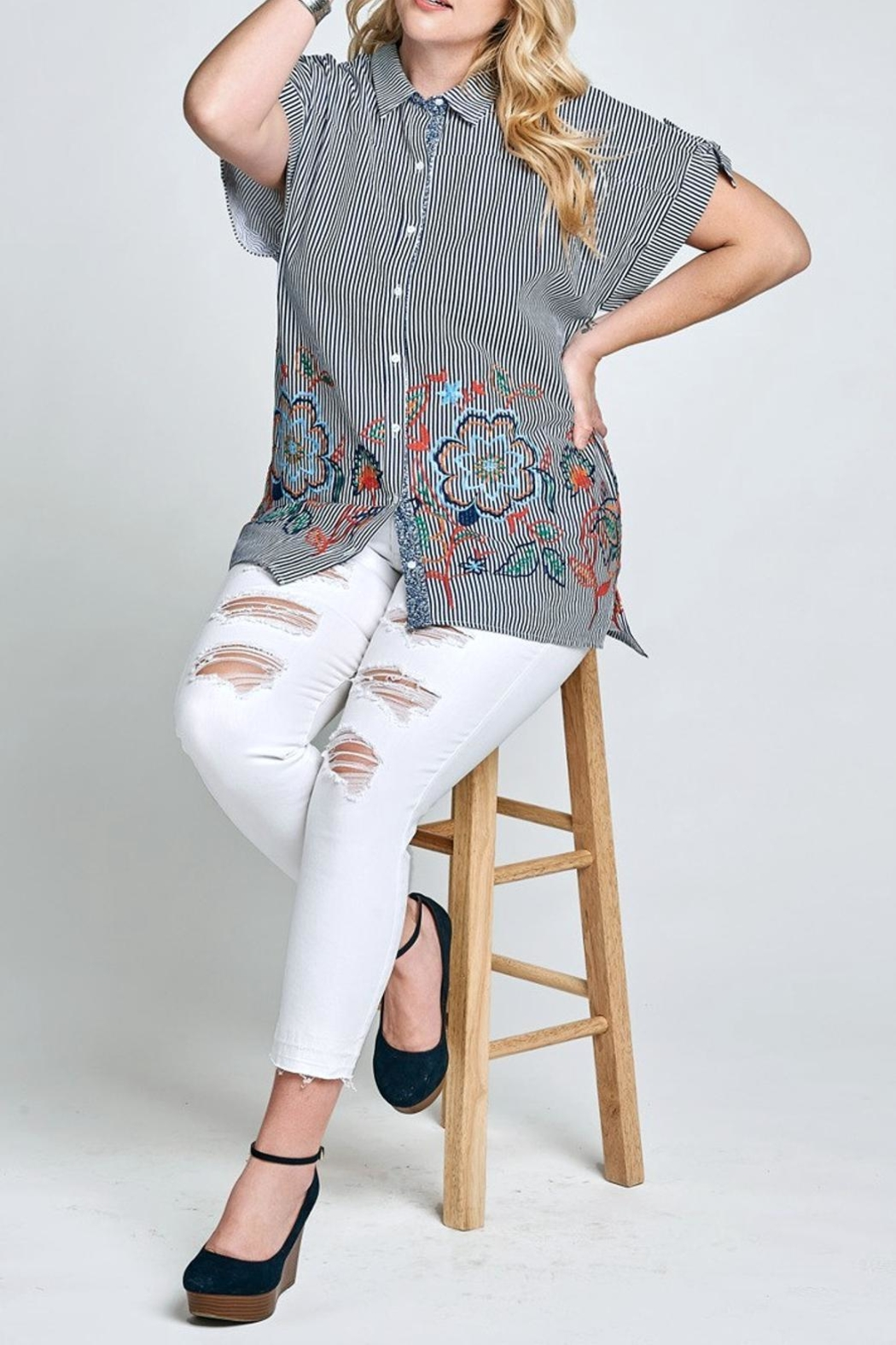 Oddi Stripe Embloidary Blouse - Side Cropped Image
