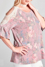 Oddy Vintage Floral Top - Product Mini Image