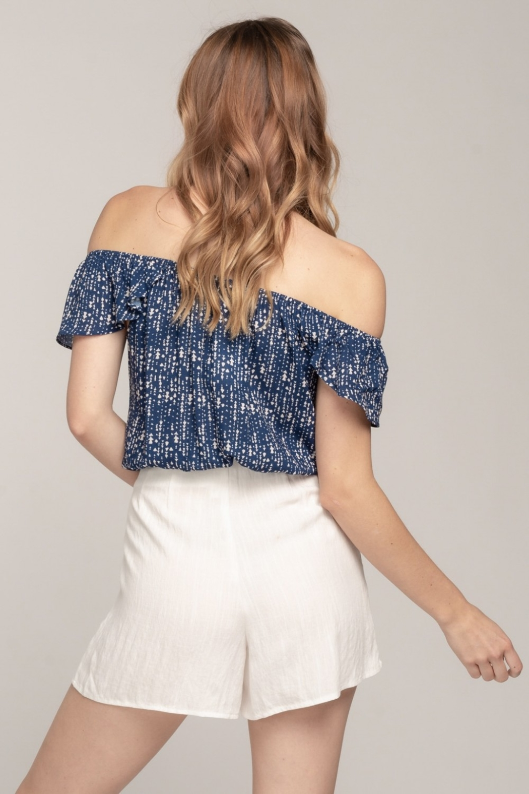 Everly Off Shoulder Arrow Top - Side Cropped Image