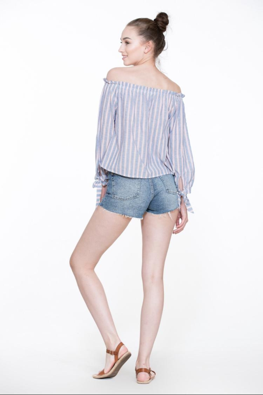 En Creme Off-Shoulder Stripe Top - Side Cropped Image
