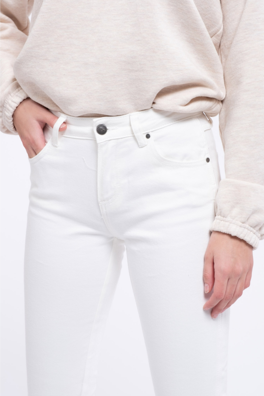 EVIDNT Off-White Cotton Low Rise Twisted Side Seam Skinny Jeans - Side Cropped Image