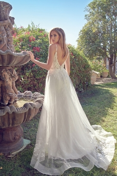 Juliet Off White Lace Bridal Gown - Alternate List Image