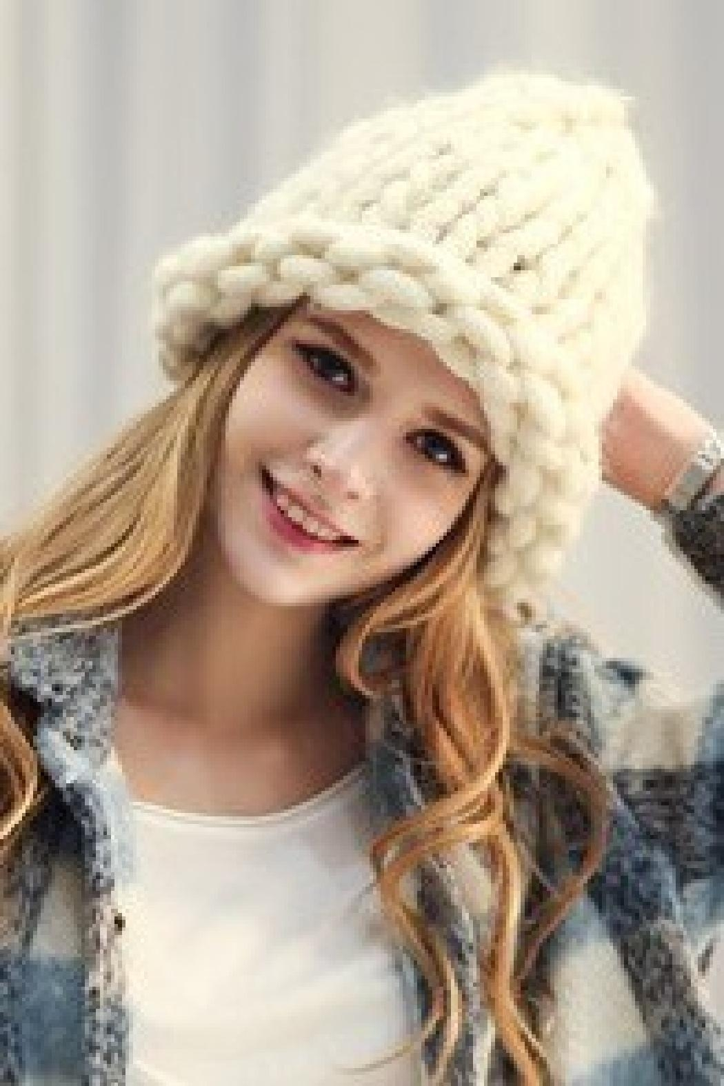 olive and pique Winter White Loose Knit Beanie - Main Image