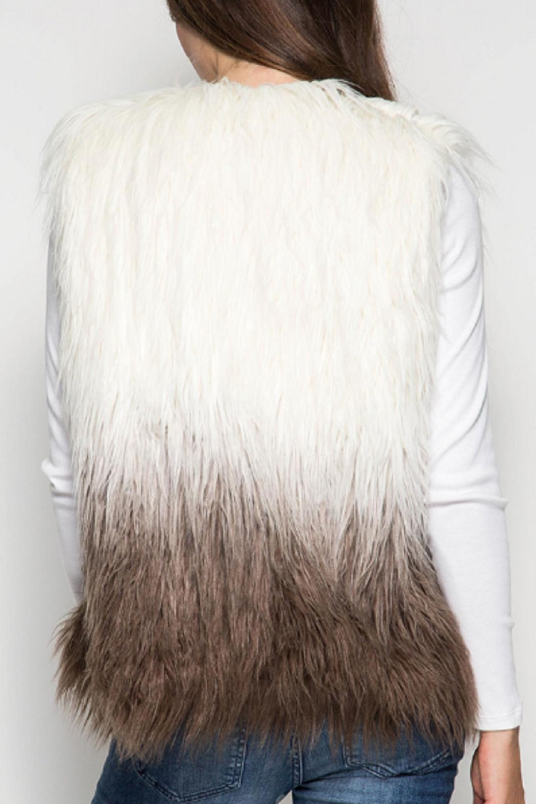 She and Sky Ombre Faux Fur Vest o/s - Side Cropped Image