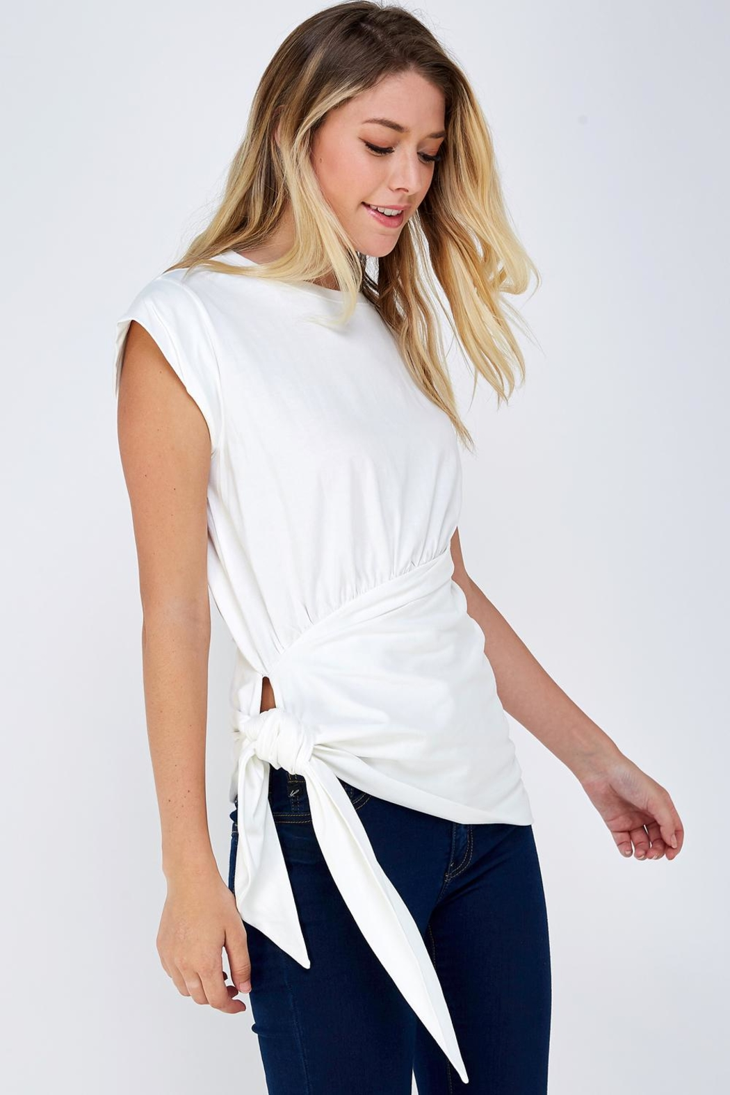On Twelfth Wrapped Tie Tee - Side Cropped Image
