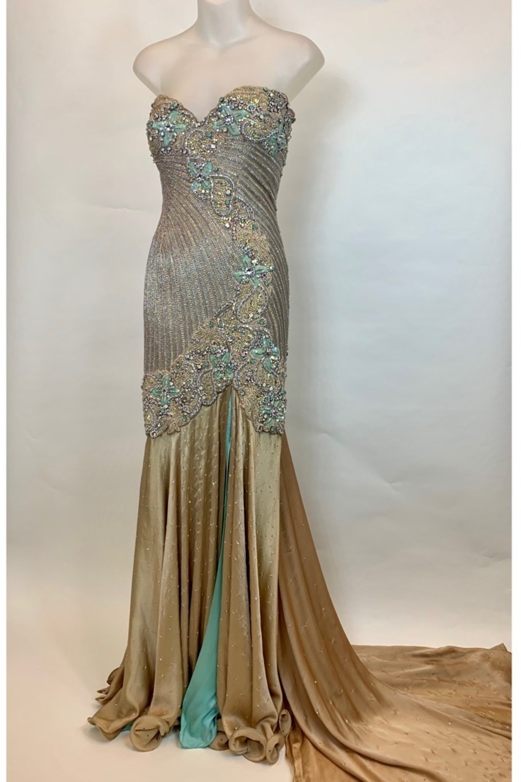 Mac Duggal ONE OF A KIND EVENING  GOWN - Main Image
