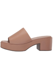 Seychelles One Of A Kind Heeled Slide - Front cropped