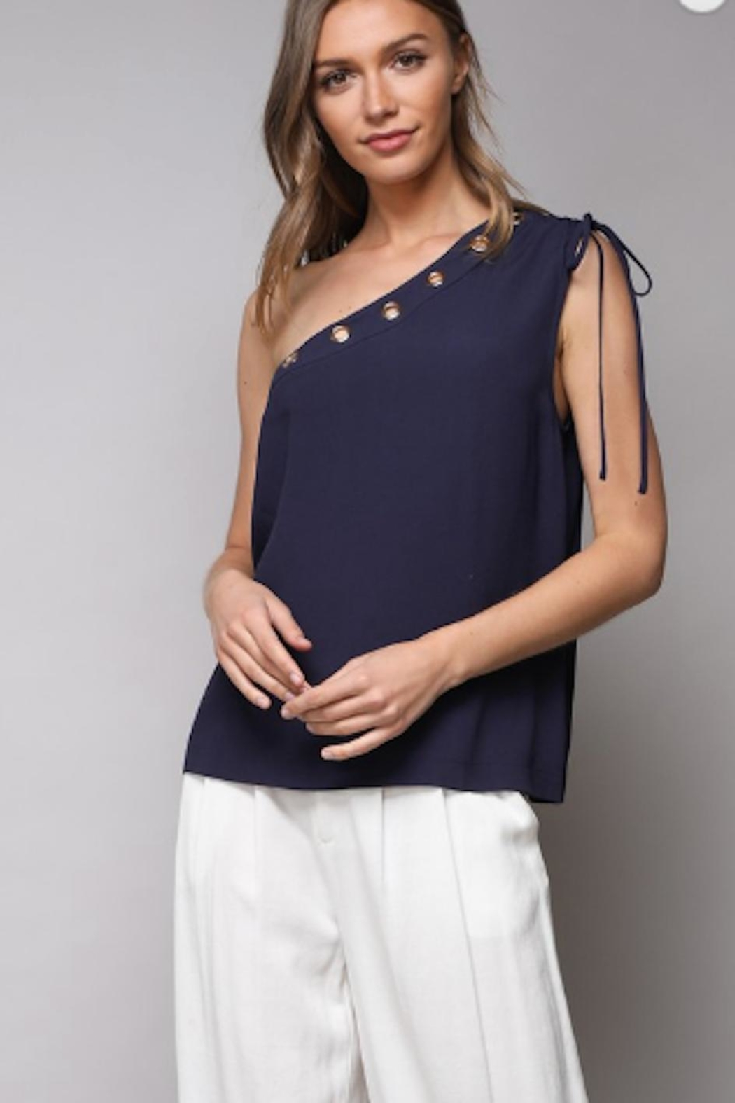 389bf9e3c6befb Do   Be One Shoulder Top from Pennsylvania by The Hanger — Shoptiques