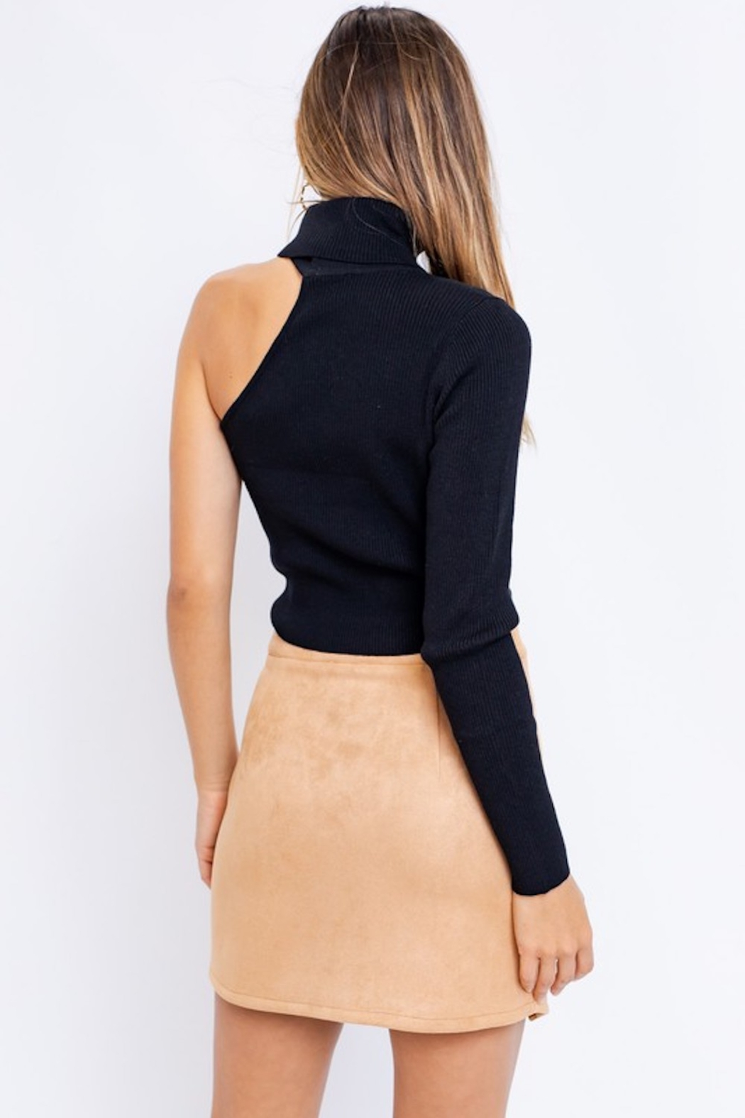 Le Lis One Sleeve Turtleneck Top - Side Cropped Image