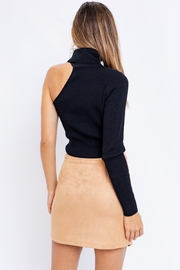 Le Lis One Sleeve Turtleneck Top - Side cropped