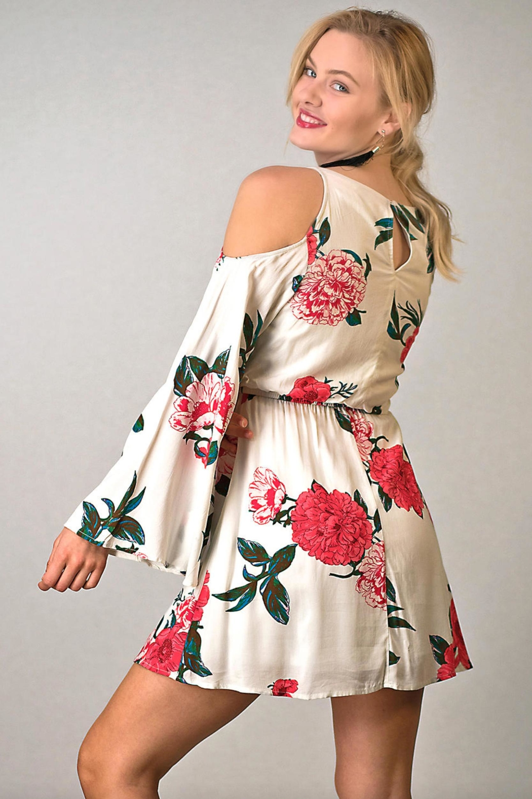 onetheland Cold-Shoulder Floral Dress - Side Cropped Image