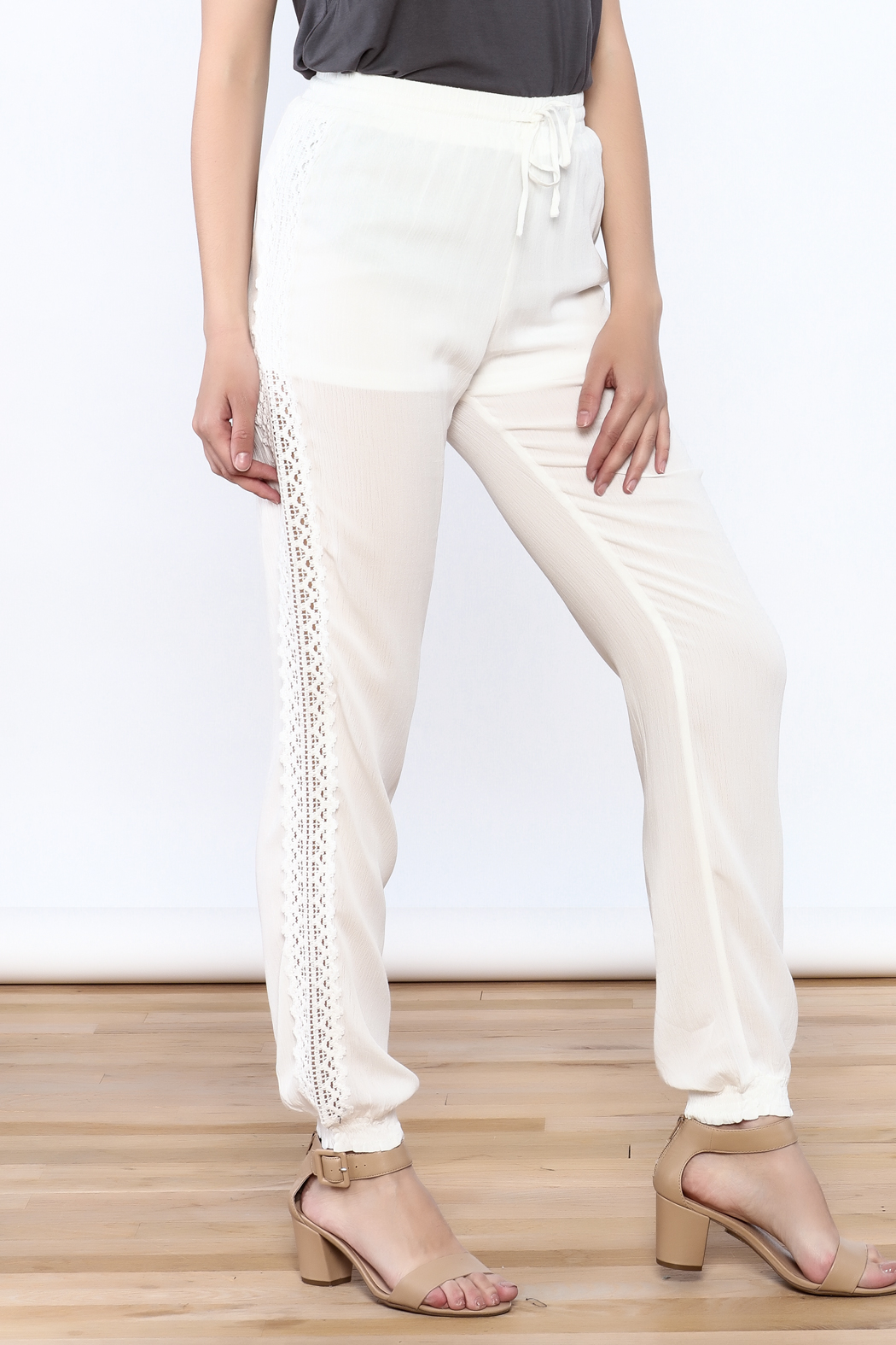 onetheland Crochet Trim Pants - Front Cropped Image