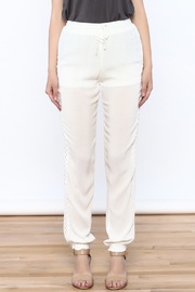 onetheland Crochet Trim Pants - Side cropped
