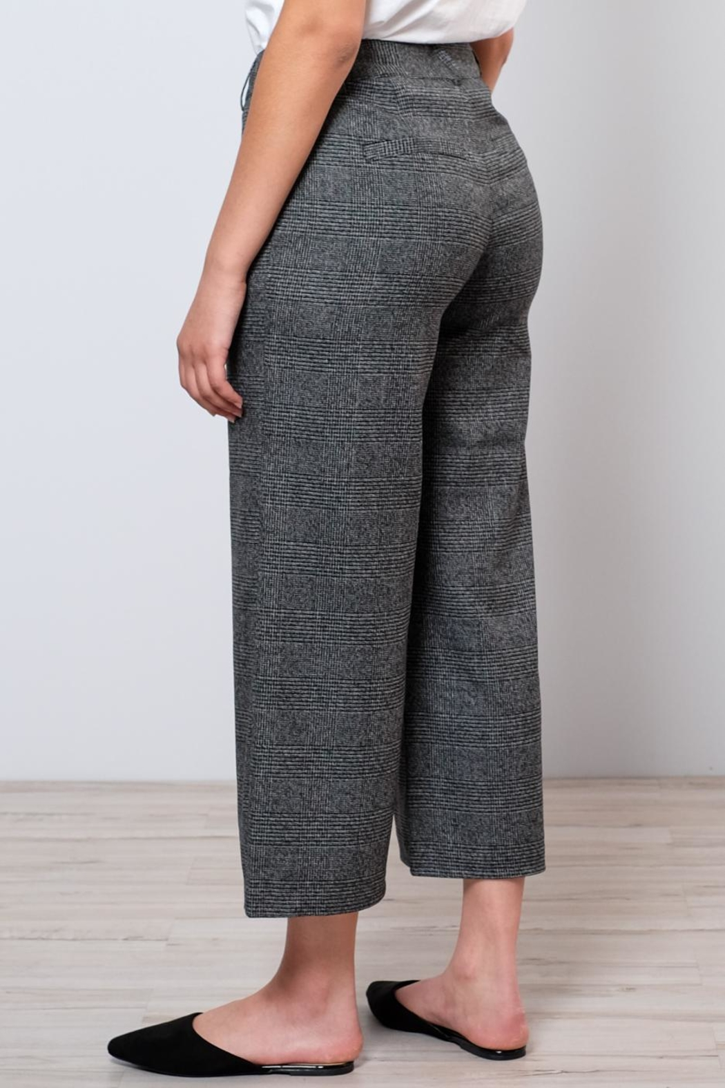 ONLY High Waisted Check Trousers - Side Cropped Image