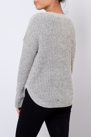 ONLY Rounded Hem Pullover - Side cropped