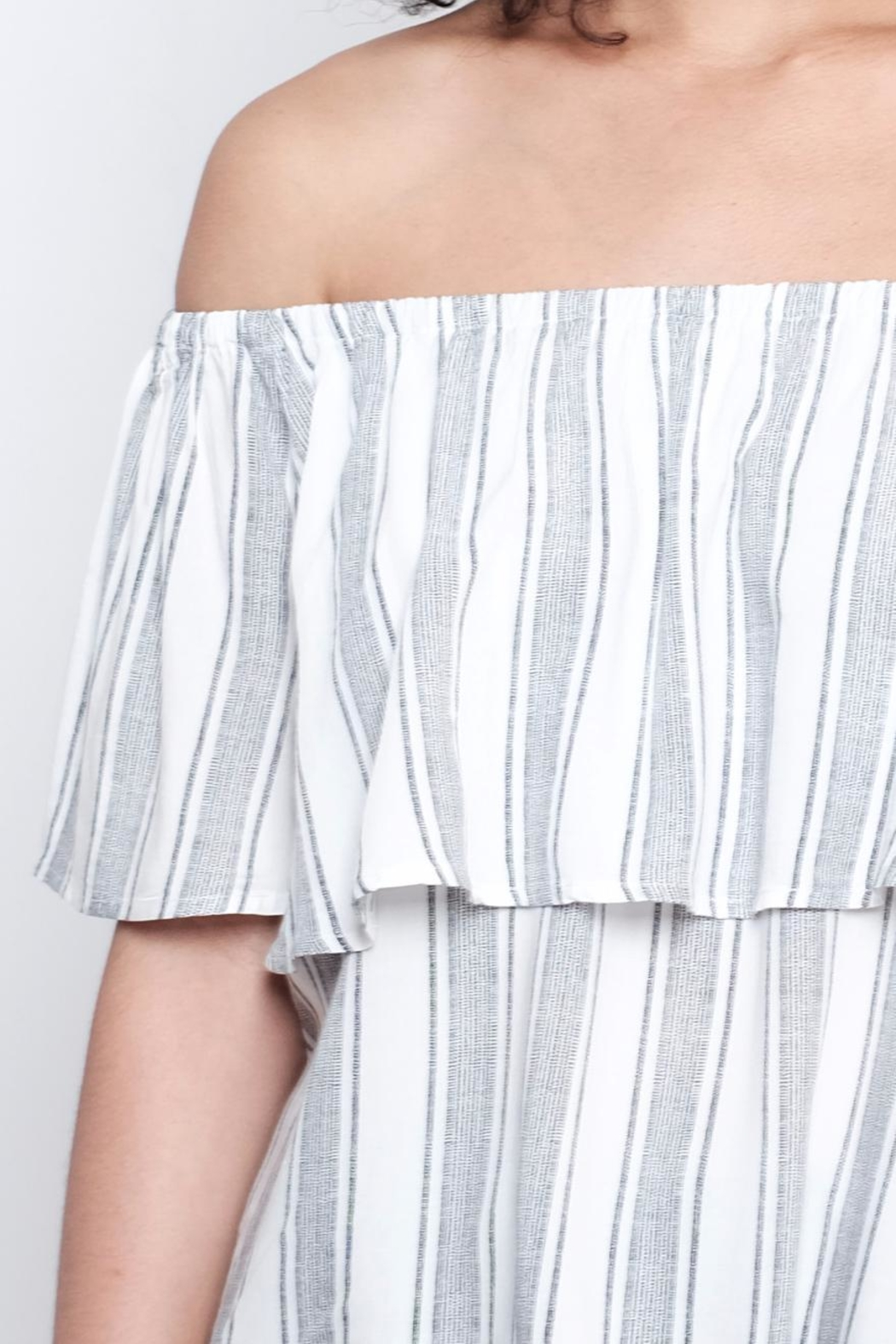 ONLY Striped Top - Back Cropped Image