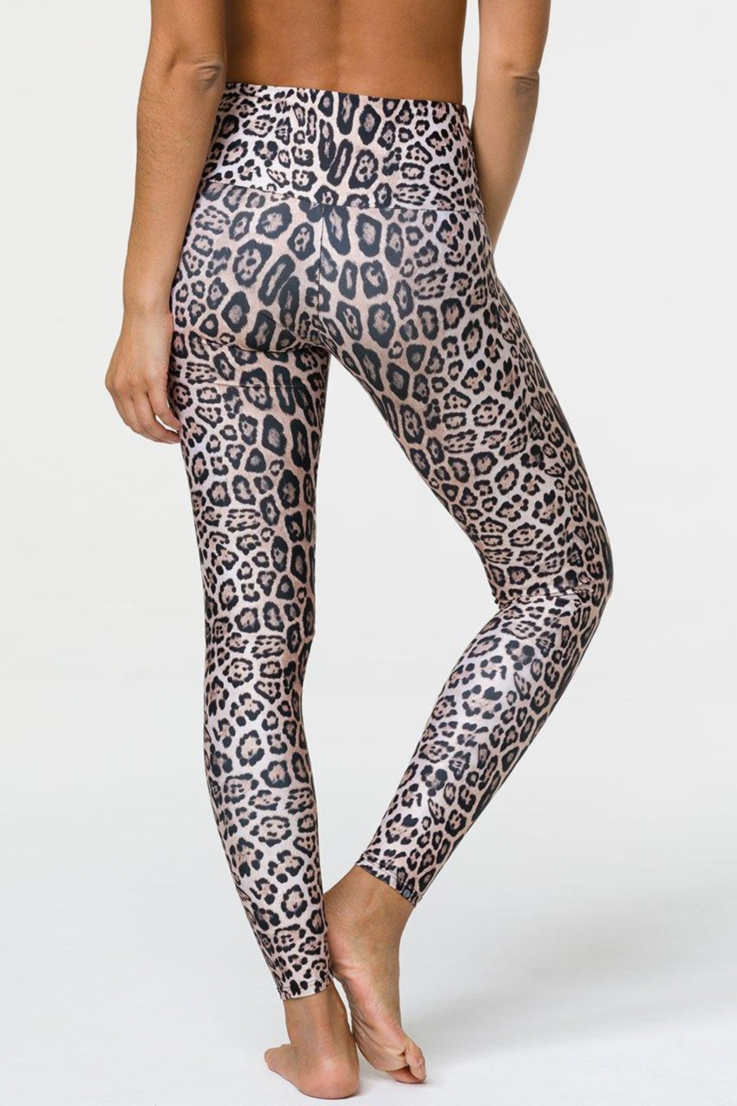 Onzie High-Rise Leopard Legging - Side Cropped Image