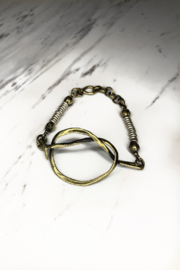 Chanour Jewelry & Accessories Open Love Knot Bracelet - Front cropped