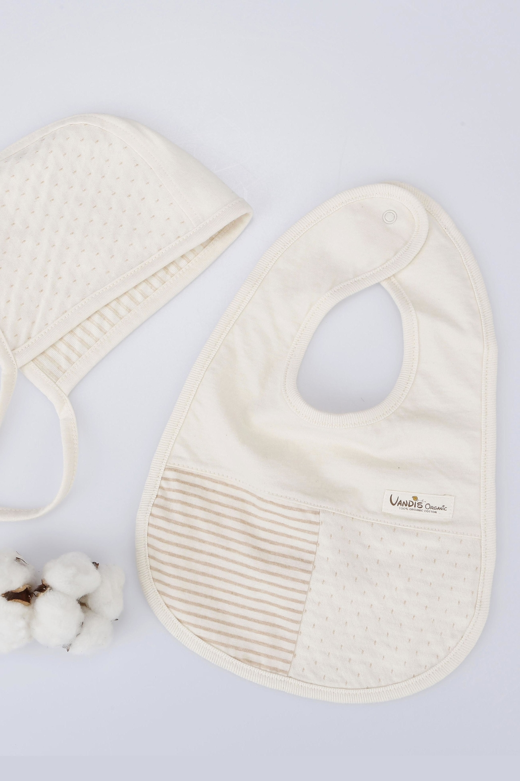 VANDIS Organic Cotton Babybib - Back Cropped Image