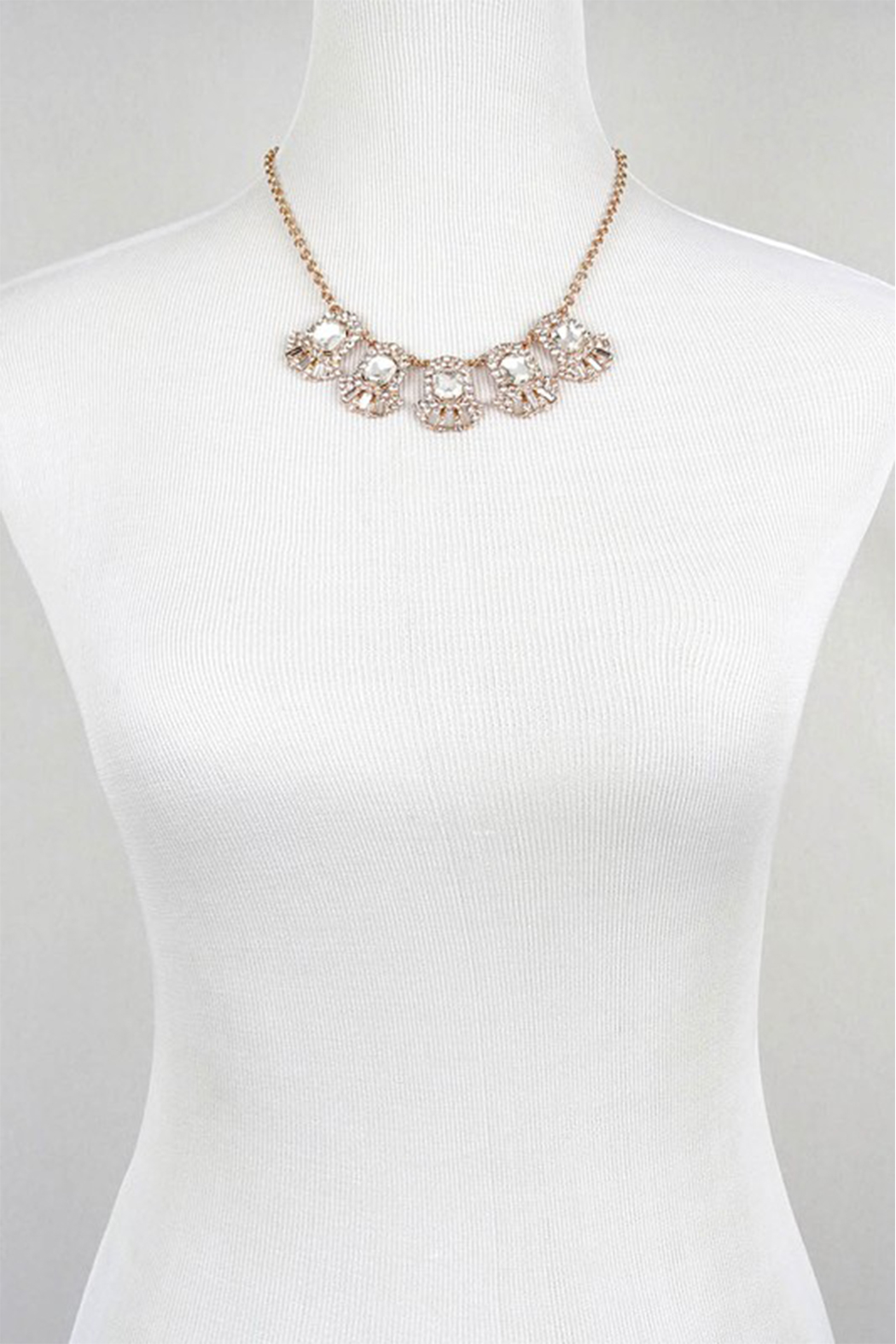 LA3accessories Ornate Statement Necklace - Side Cropped Image