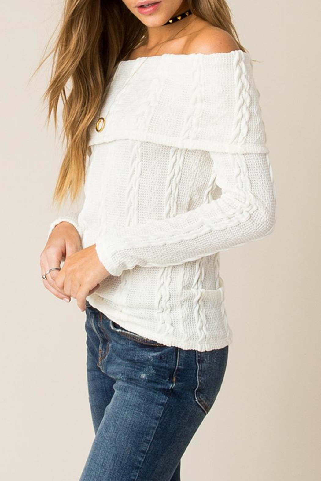 Others Follow  Off Shoulder Cable Sweater - Side Cropped Image