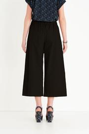 Ottod'ame Cropped Poplin Pant - Front full body