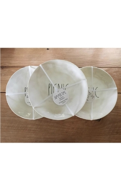 Rae Dunn Outdoor Plate Set - Alternate List Image
