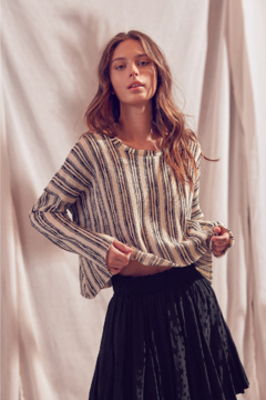 storia Oversized Crop Top - Product List Image