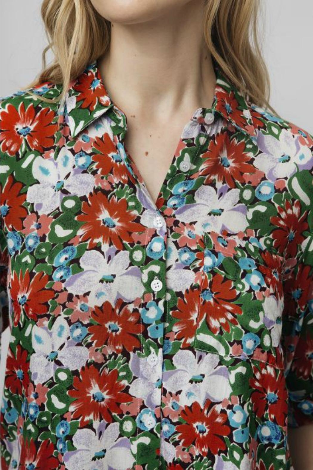 Compania Fantastica Oversized Floral Blouse - Side Cropped Image