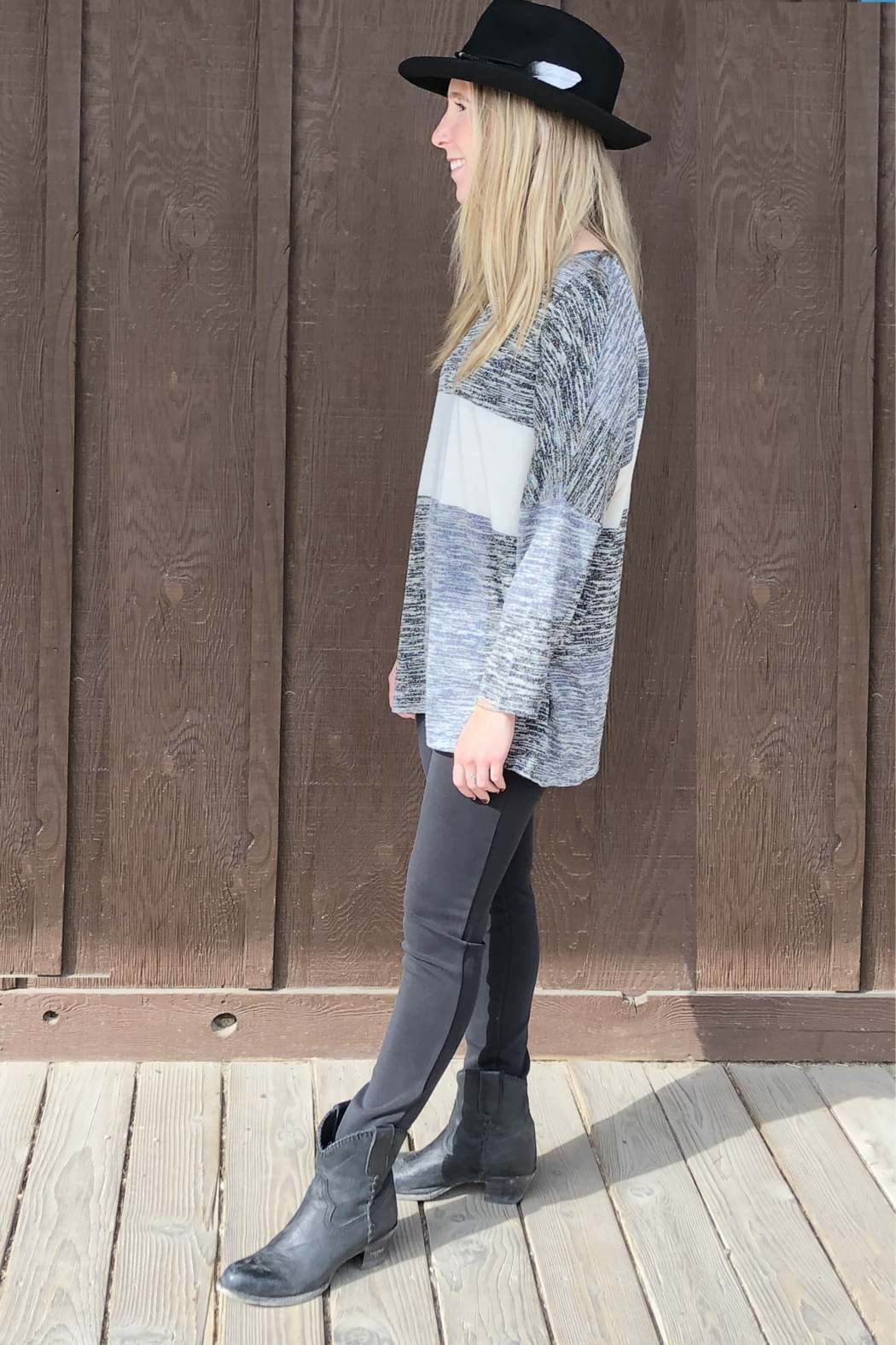 Papillon Oversized Patch Sweater - Side Cropped Image