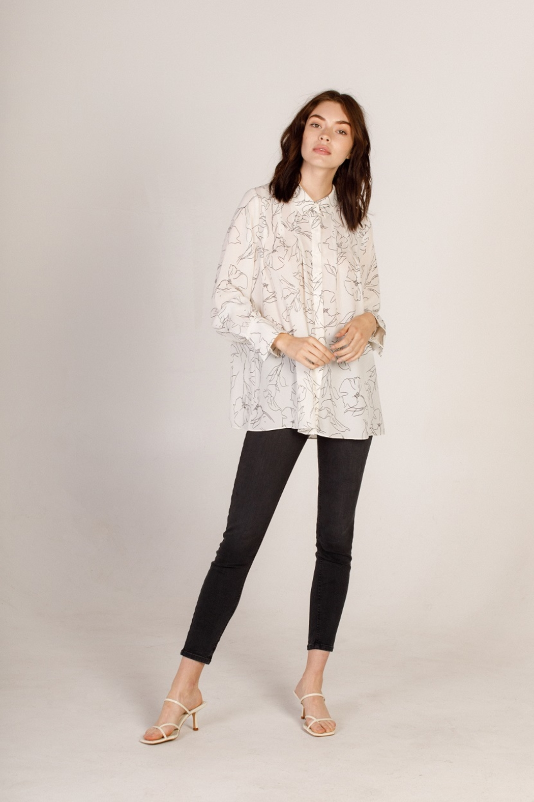Moodie Abstract Printed Blouse - Side Cropped Image