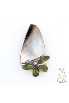 Shoptiques Product: Oyster Peridot Pearl