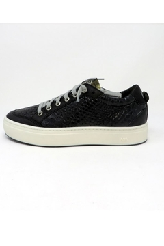 P448 Lovelow Black Sneakers - Product List Image