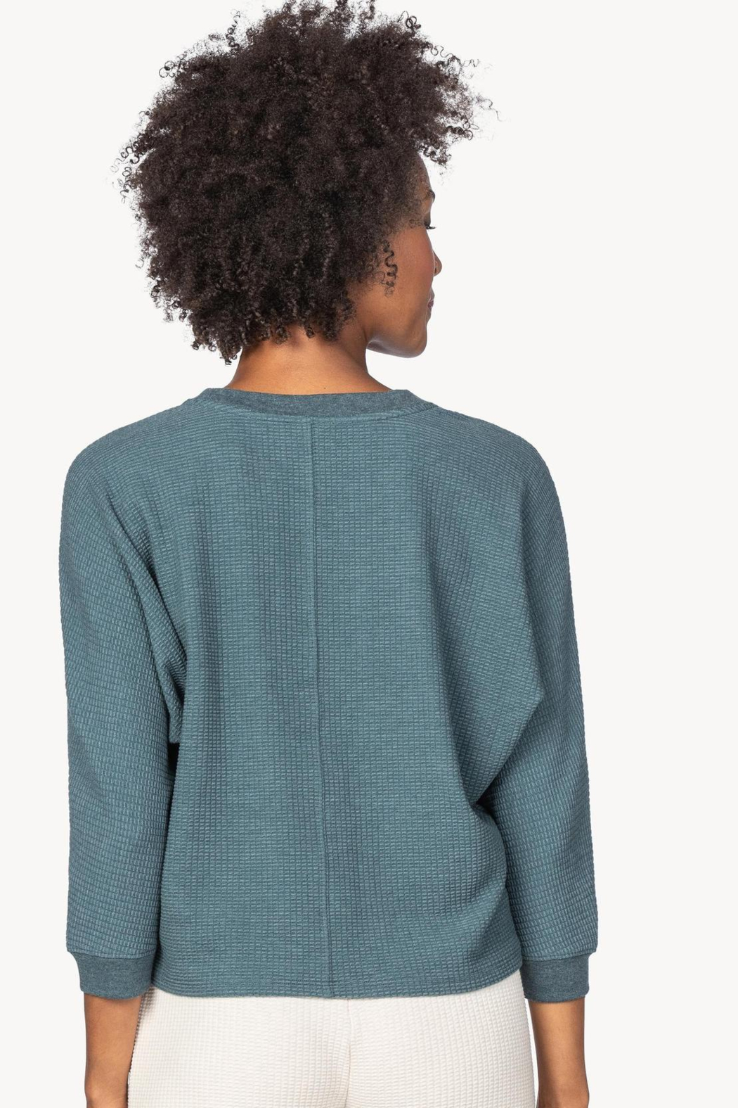 Lilla P PA1393 - Seamed Dolman Top - Side Cropped Image