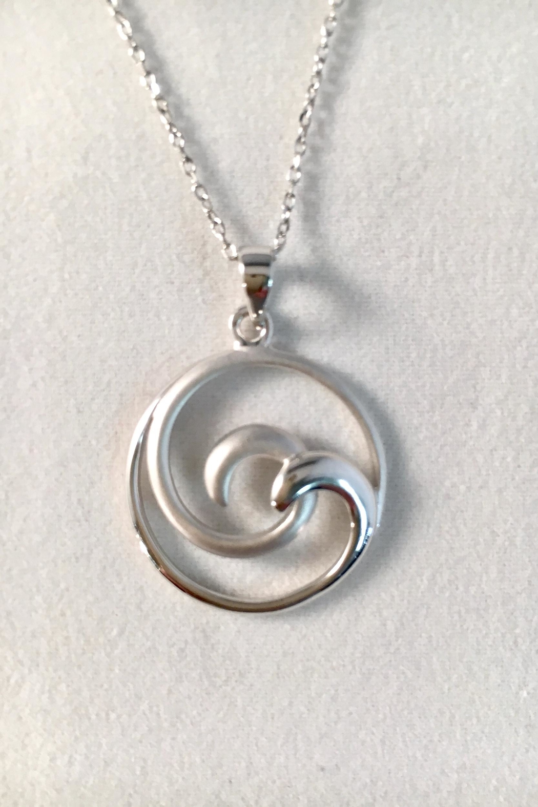 925co Double Wave Necklace - Main Image