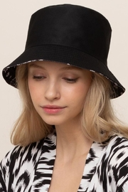 Fashion City Paisley Bucket Hat - Side cropped
