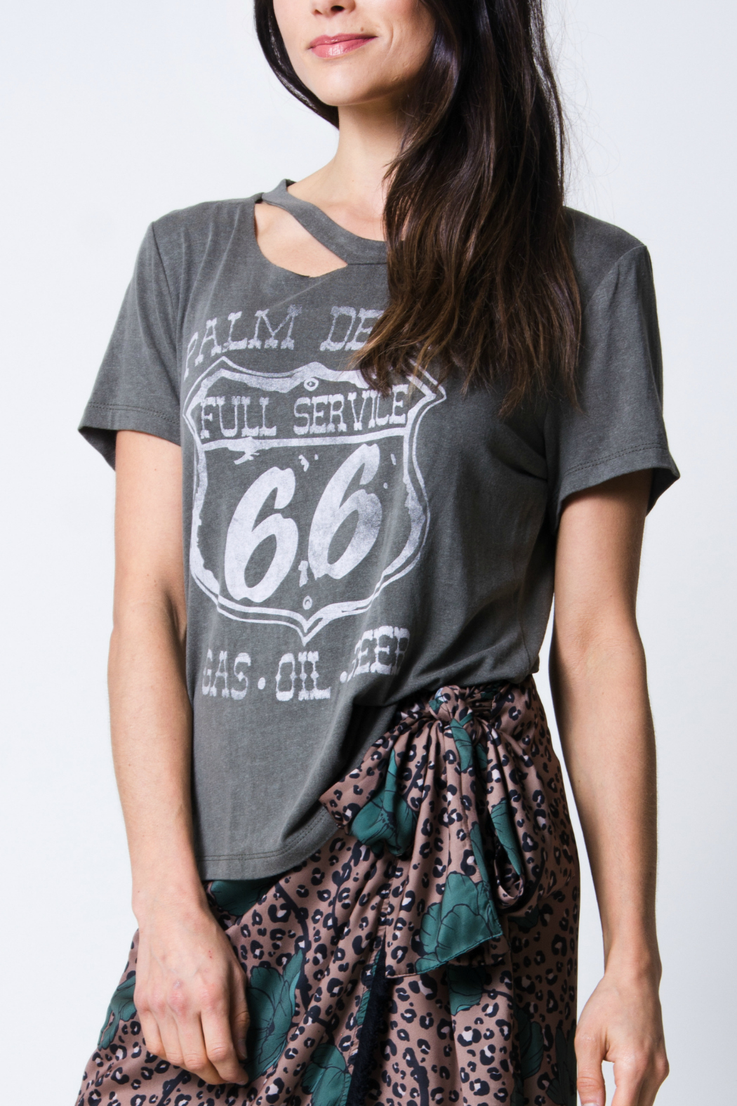 Wanderlux Palm desert tee - Side Cropped Image