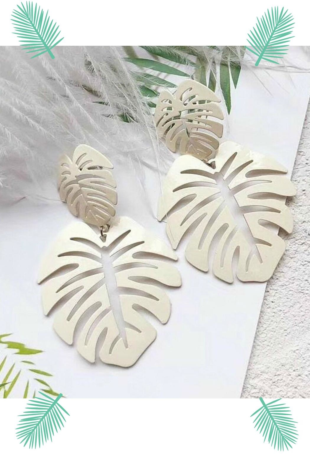 Mimi's Gift Gallery Palm Leaf Earrings - Front Cropped Image