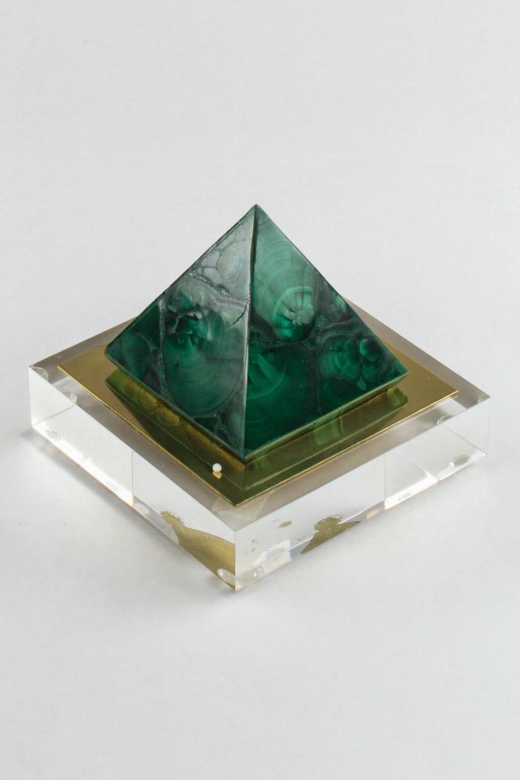 Panache of Amarillo Malachite Point - Main Image