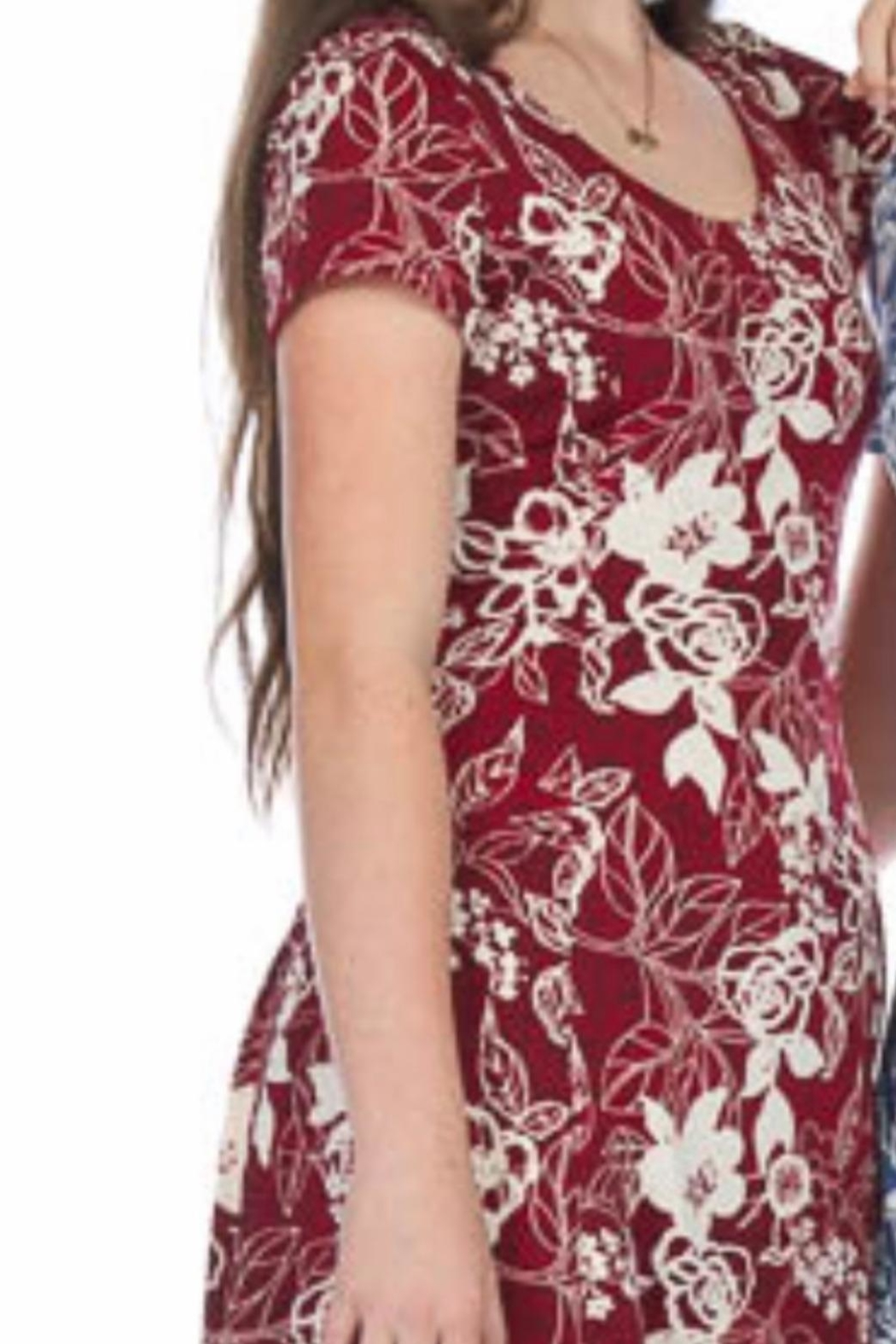 Papillon Cute Midi Print Dress - Front Cropped Image