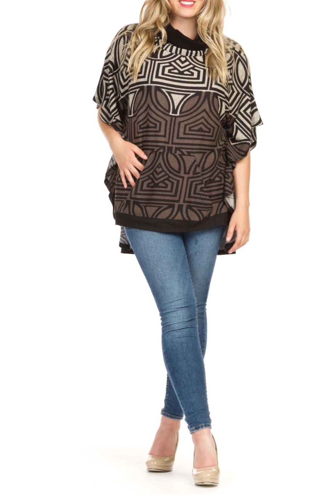 Papillon Geometric Poncho - Front Cropped Image