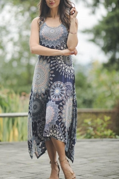 Papillon Medallion Print Midi Dress - Alternate List Image