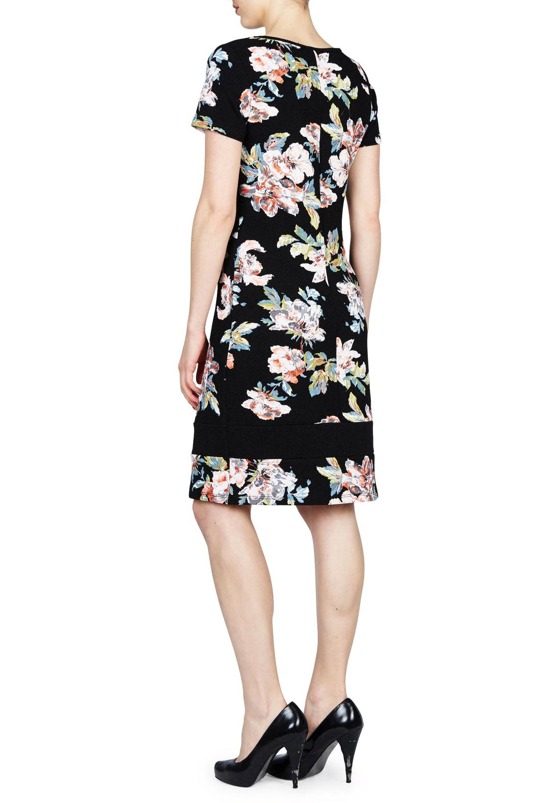 PAPILLON BLANC Floral Shift Dress - Front Full Image