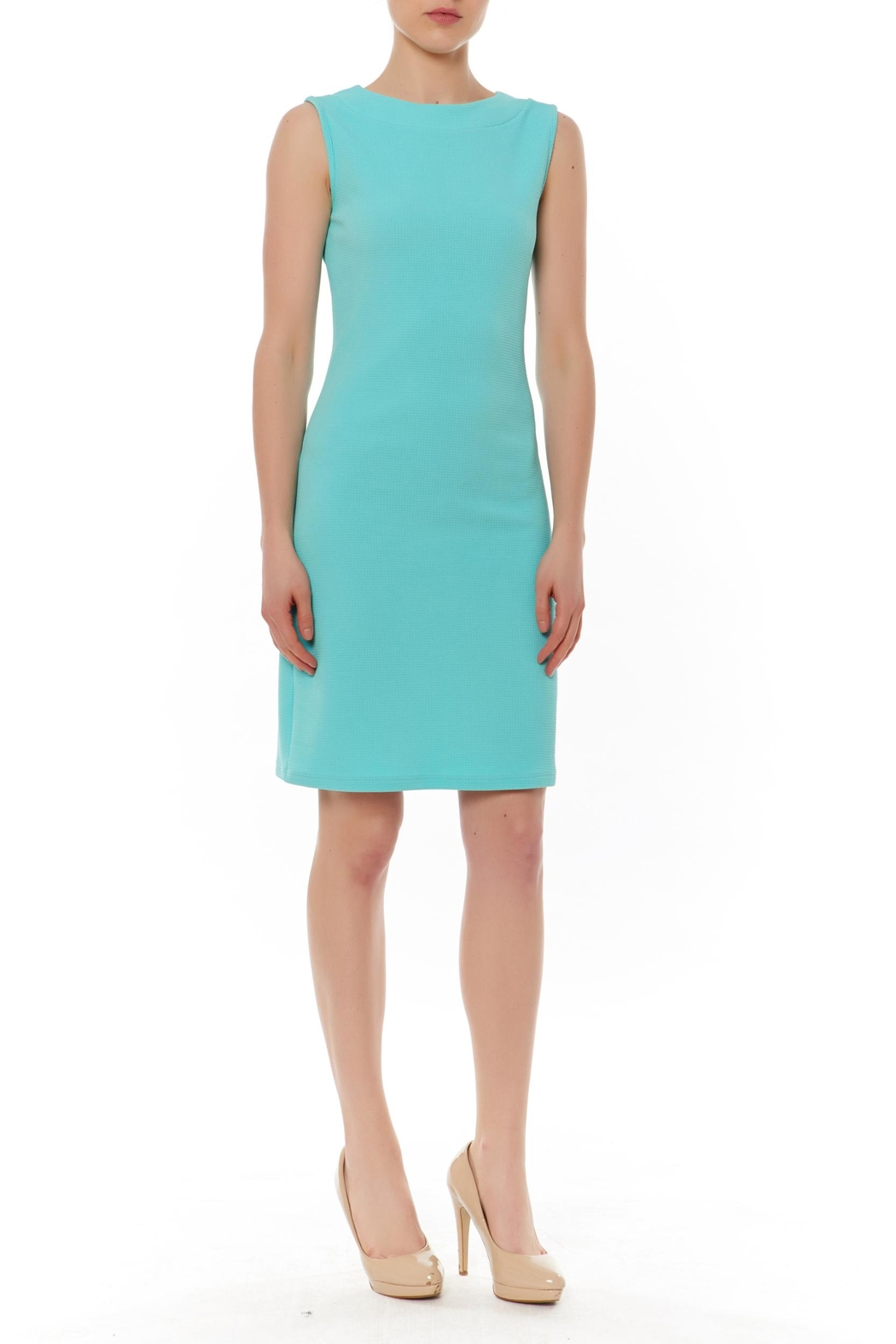 PAPILLON BLANC Sleevless Shift Dress - Front Cropped Image