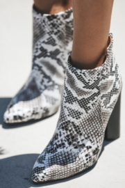 Qupid Parma Booties - Side cropped
