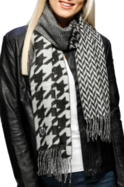 V Fraas Patchwork Houndstooth scarf - Front full body