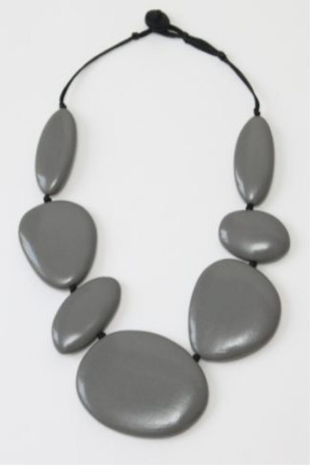 Patricia's Presents Stunning Grey Neckpiece - Front Cropped Image